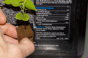 reading hydroponics fertilizers labels